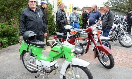 Moottoripyörät saivat ihmiset liikkeelle