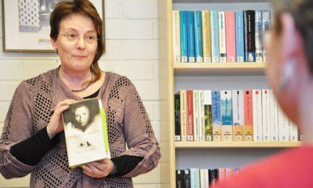 Paula Havaste kertoi paljastuksen uudesta kirjastaan