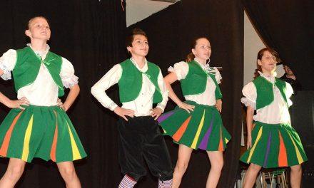 Venäläislasten laulu- ja tanssiryhmä valloitti