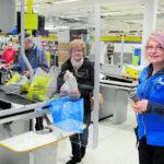 Kaupoissa on suojauduttu koronalta hyvässä hengessä