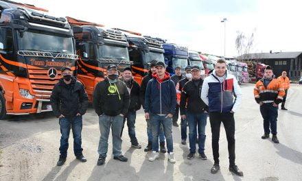 Turvepaketti ei riittänyt – yrittäjät marssivat Helsinkiin
